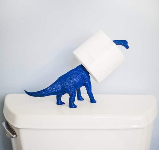 как закрепить на стене или мебели рулон туалетной бумаги