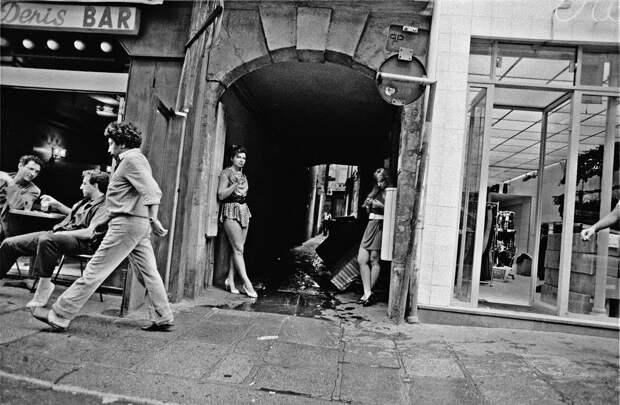 Труженицы секс-индустрии с улицы Сен-Дени. Фотограф Массимо Сормонта 31