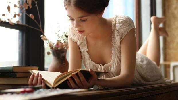 7 культовых эротических романов для томного вечера