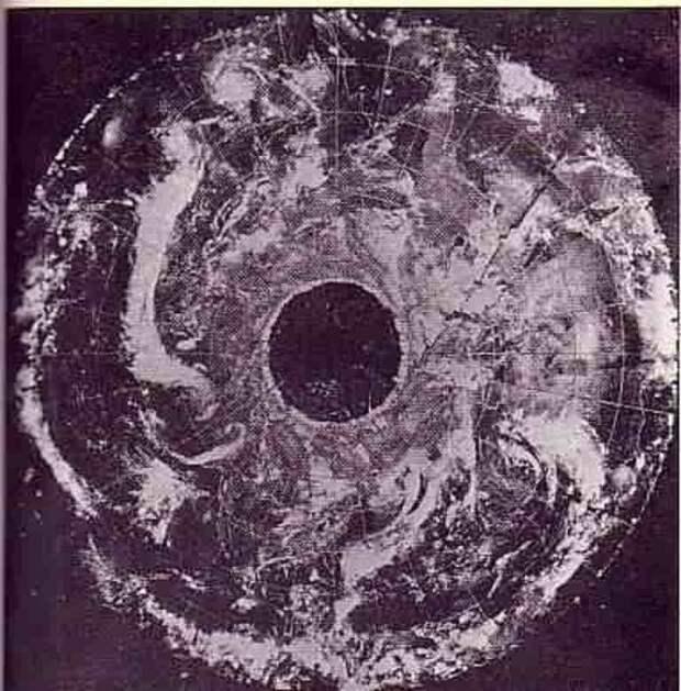 Снимок сделанный спутником ESSA-7 в 1968 году.