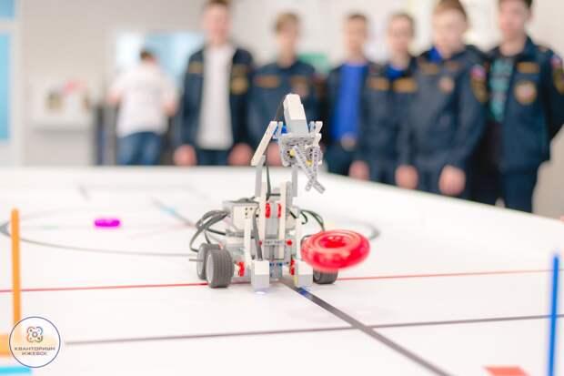Школьники из районов Удмуртии начнут обучаться в мобильном технопарке «Кванториум» с 1 сентября