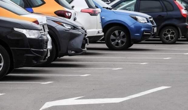 В Москве появилось более трех тысяч бесплатных парковочных мест