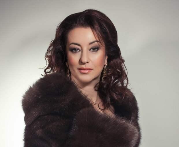 Одна из выдающихся и красивых певиц СССР и РФ