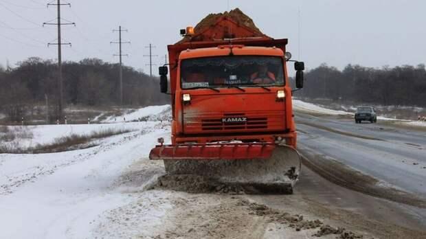 Машины для уборки снега подготовили вРостовской области вожидании непогоды