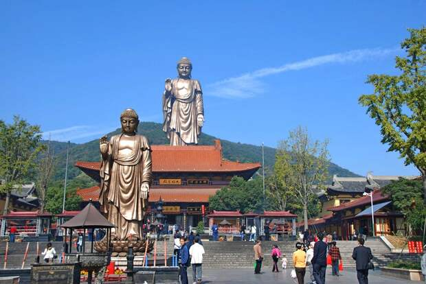 15 самых высоких играндиозных статуй