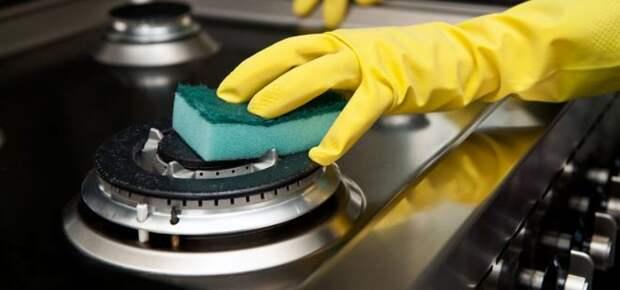 Как очистить конфорки электрической или газовой плиты