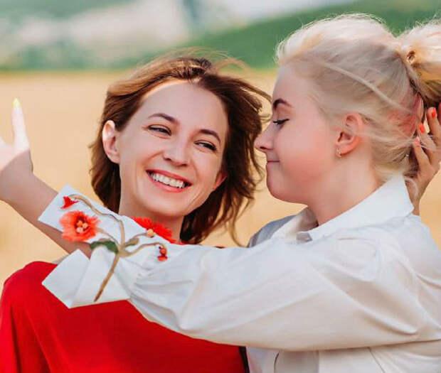 """""""Лучше места нет"""": Поклонская впервые показала, как проводит время с дочерью в Крыму (фото)"""