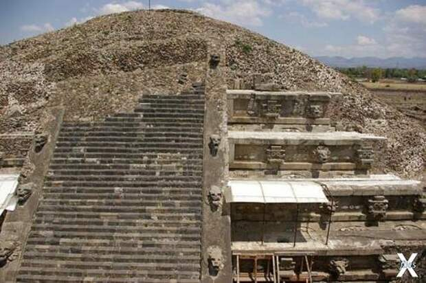 Храм Пернатого змея в Теотиуакане