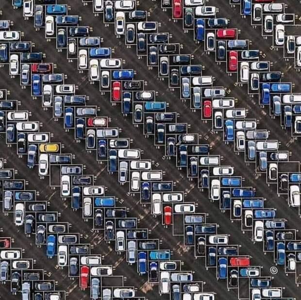 16. Парковка во Франкфурте идеально, красиво, перфекционизм, фото, четко