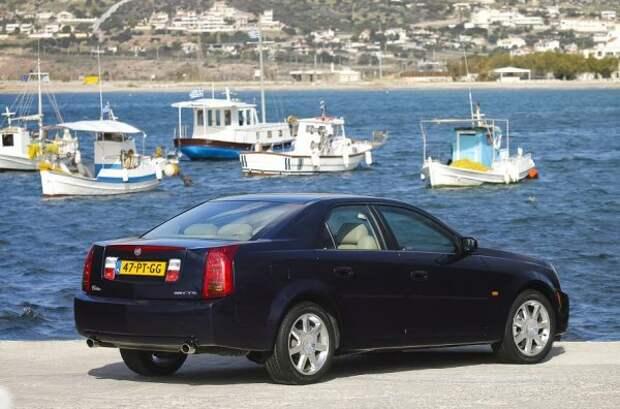 В этой модели Cadillac использует свой новый стиль дизайна Art and Science, который затем распространяется на весь модельный ряд бренда.  Седан построен на платформе Sigma, но интересно то, что GTS не получает традиционных для марки 8-цилиндровых двигателей.  Единственное исключение - «удобряющая» версия CTS-V, которая выходит позже и оснащается 5,7-литровым V8.  Остальные модификации - с 3,2-литровым двигателем V6 Opel, который развивает 220 л.с.  и соединяется с 5-ступенчатой механической коробкой передач.