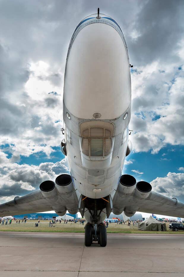 «Летающая бочка» - самолет-гигант, перевозивший космические корабли (ФОТО)