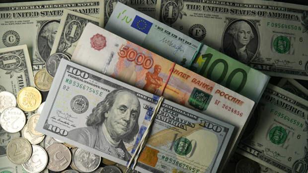 В ожидании потепления: как могут измениться курсы доллара и евро весной