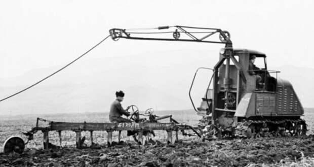 По полю на проводе. Электротрактор ХТЗ-12