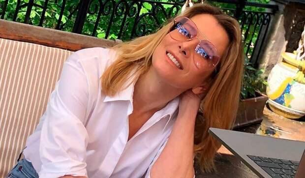 «До слез»: Юлия Высоцкая сделала интимное фото в ванной
