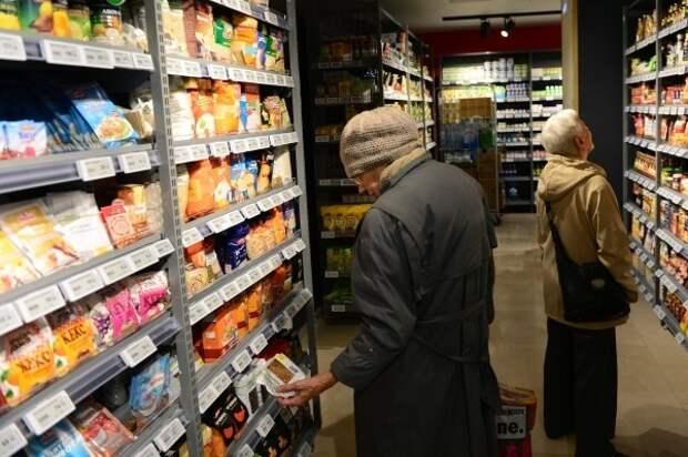Торговцы: падение рубля и коронавирус не повлияют на розничные цены в магазинах РФ