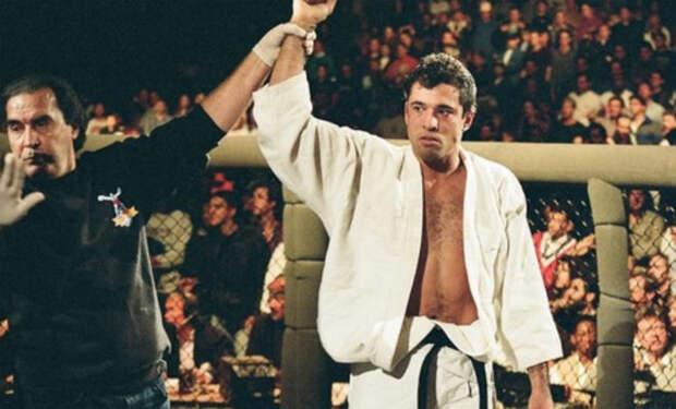 Мастер Джиу Джитсу вышел на ринг показать силу чемпиону дзюдо