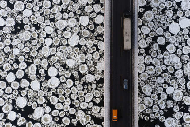 Вид на мост через замерзающую реку интераесное, факты, фото