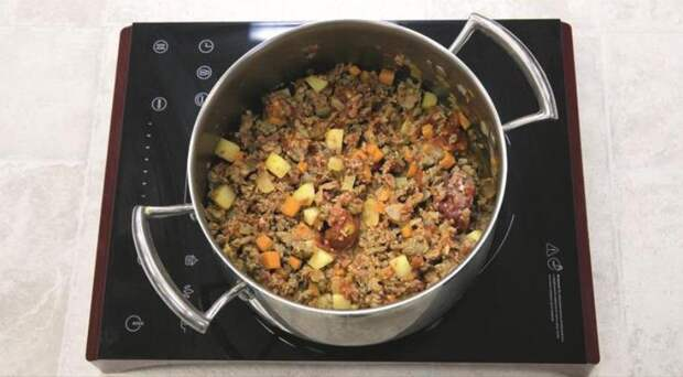 Быстрый овощной суп с фаршем. Шаг 2
