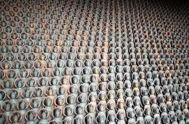 Культ Будды Медицины (Якуси Нёрай) стал одним из первых, развившихся в Японии с приходом в страну буддизма. Верующие считают, что стоит больному прикоснуться к изображению, как он исцелится