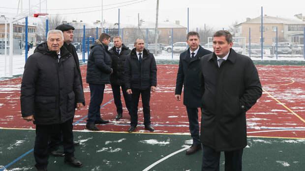Андрей Бочаров проверил благоустройство станицы Преображенской