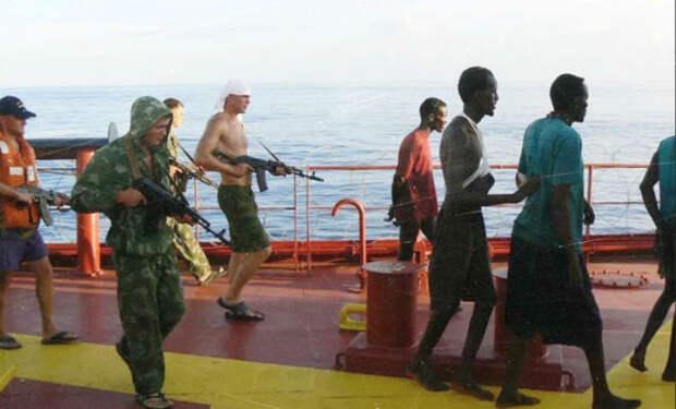 Пираты перепутали корабль и столкнулись с отрядом морпехов