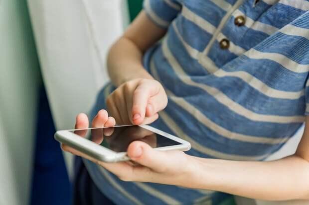 Первоклассникам в Удмуртии раздадут бесплатные SIM-карты