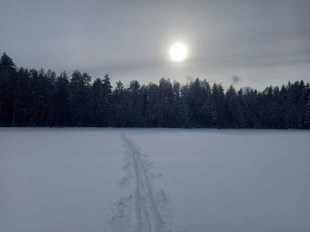 Март на Карельском перешейке. Два замерзших озера в Лемболово и река Вьюн. Кисель на костре.