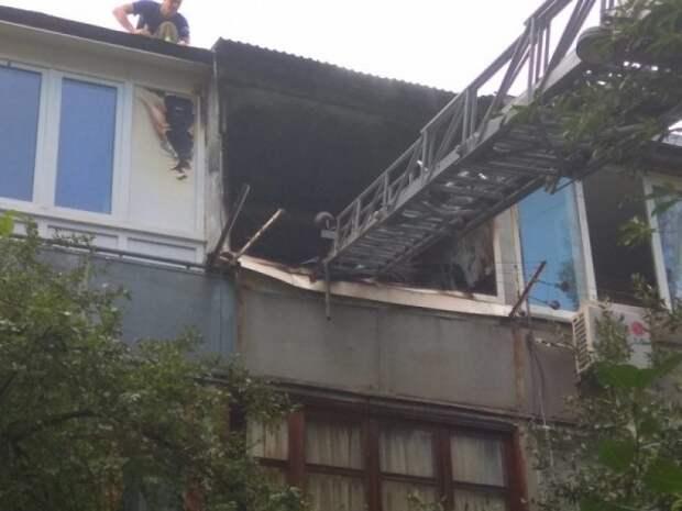 Из жуткого пожара в Крыму были вынесены двое детей (ФОТО)