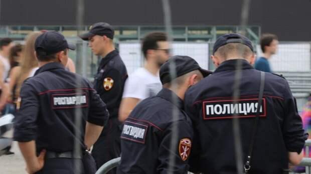 Полицейские потребовали 200 тысяч от участника пикета в Петербурге