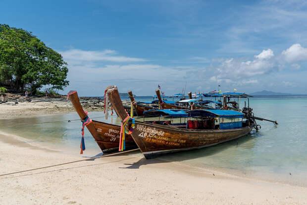 Таиланд откроет Пхукет для привитых от COVID-19 туристов