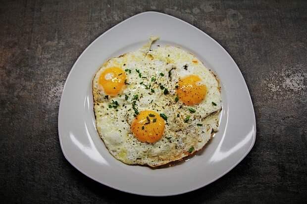 Специалисты назвали способ сделать яичницу более вкусной
