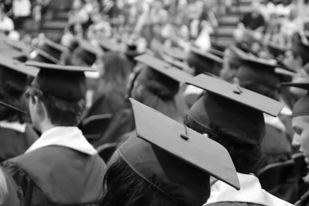 В университете на Ленинградке откроется фотоэкспозиция выдающихся выпускников