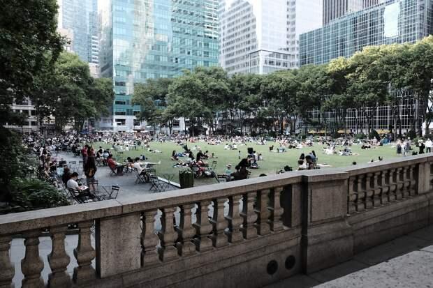 В Нью-Йорке задумались о массовых захоронениях жертв COVID-19 в парках