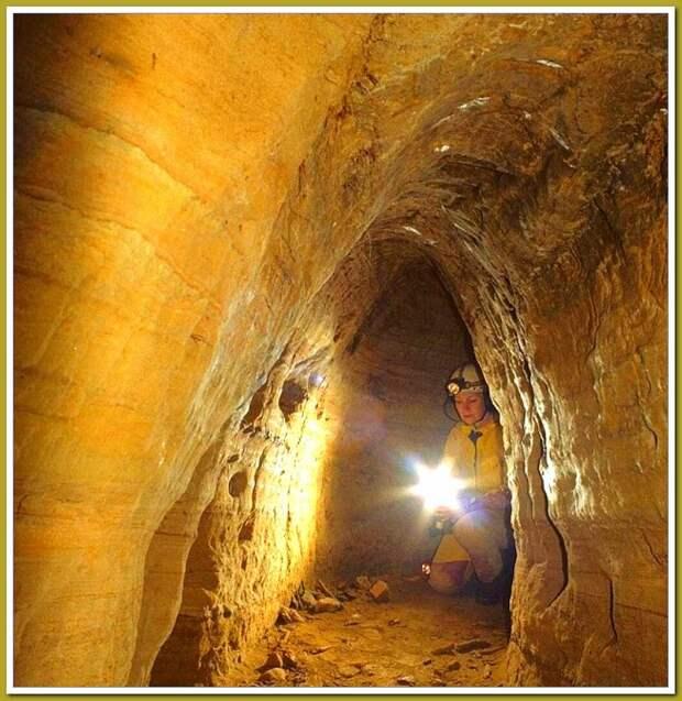 Источник Яндекс.картинки. Исследователи в тоннеле