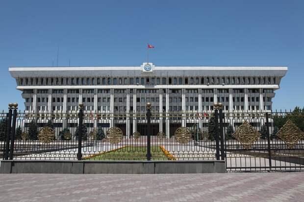 BBC: эйфория от революции в Киргизии быстро сменилась страхом