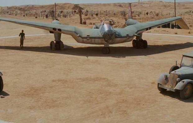 Странный немецкий самолет из «Индианы Джонса»
