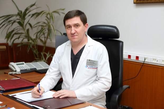 Главный врач больницы Спасокукоцкого объяснил важность вакцинации пожилых москвичей