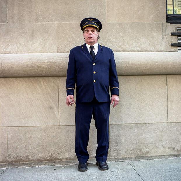 Фотопроект: портье— невидимые люди Нью-Йорка