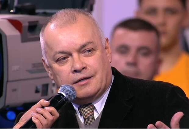 Киселёв призвал судить Навального за клевету