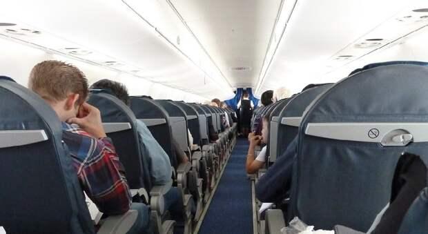 Экипажи пассажирских самолетов в России могут дополнить штатными медработниками