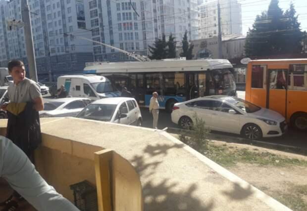 ДТП в Севастополе: пострадала «богатая» машина