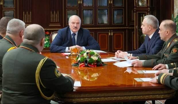 Лукашенко предупредил об угрозе подрыва Белоруссии изнутри: Сейчас на все зубы будут пробовать