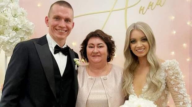 Вяльбе рассказала о своем подарке на свадьбу Большунова и Жеребятьевой