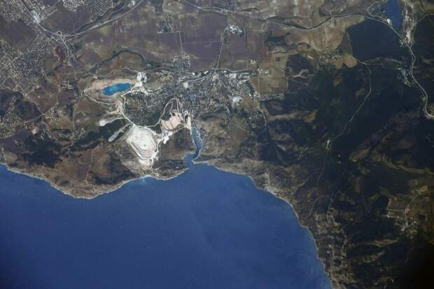Находящийся на МКС космонавт Вагнер прорекламировал Крым