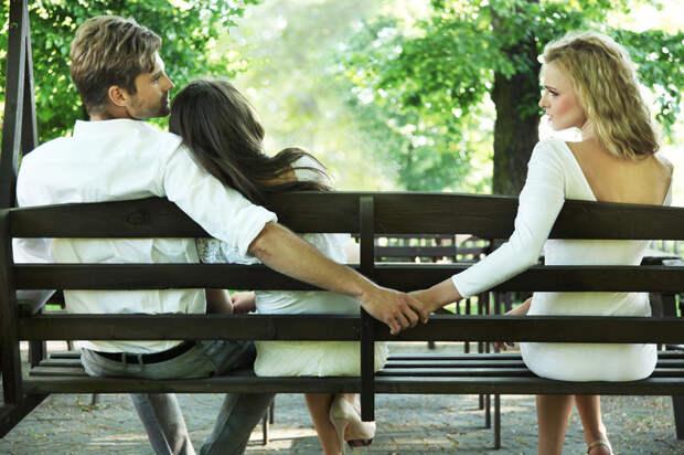 Ученые выяснили, как деньги влияют на отношения влюбленных