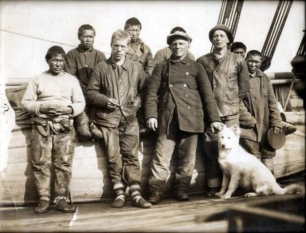 Геннадий Олонкин (третий слева) — русский, которого не взяли на полюс