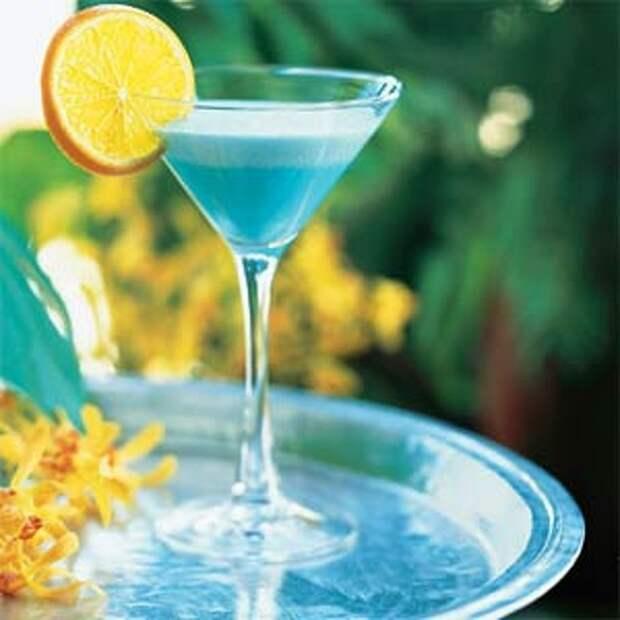 """Спиртные напитки.  Коктейль """"Голубая луна"""""""
