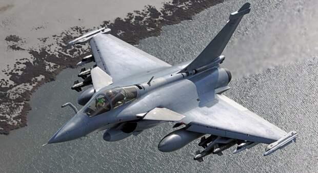 Воздушный бой: «Рафаль» сбил Су-35 в небе Азии