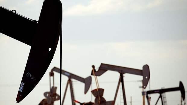 Коммерческие запасы нефти в США неожиданно выросли