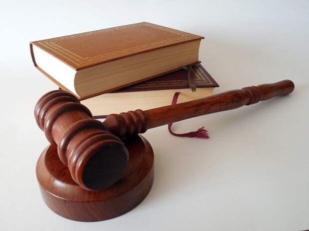 Суд в Симферополе арестовал двух задержанных украинских моряков